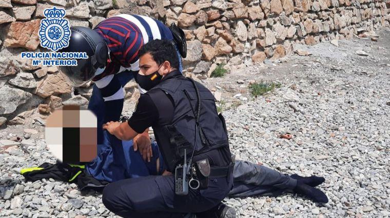 La Policía salva a un joven inmigrante marroquí que intentaba quitarse la vida en Ceuta