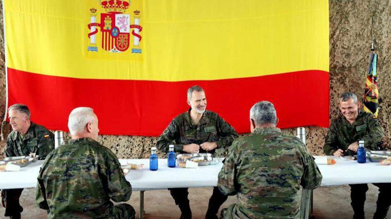 Felipe VI asiste al ejercicio de la Brigada Experimental 35 Defensa Colectiva de la OTAN