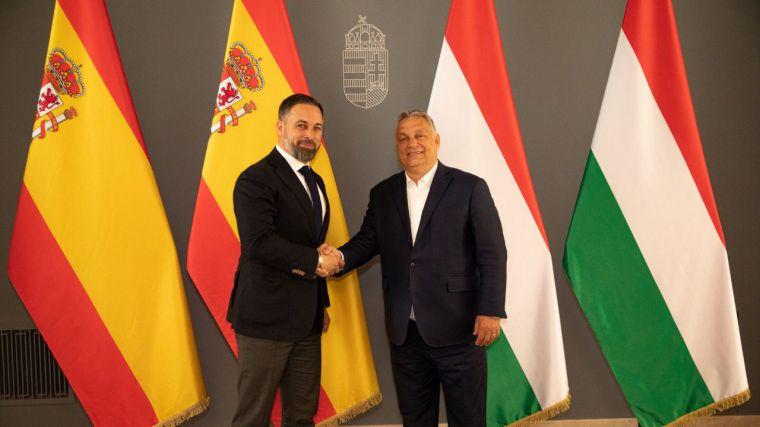Santiago Abascal se reúne con el primer ministro húngaro: 'Europa no puede rendir su frontera sur'