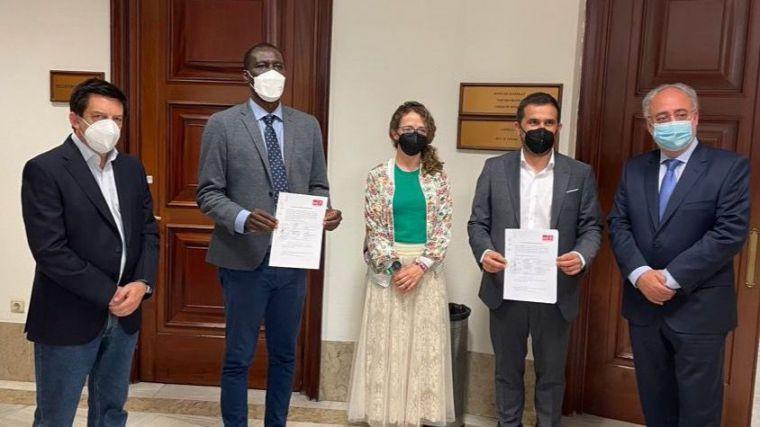 El Grupo Socialista en su nube: Registra una iniciativa para impulsar la integración de migrantes a través del deporte