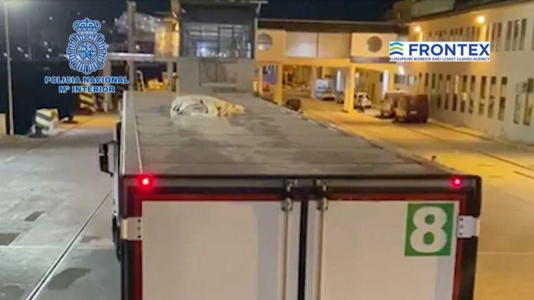Migrantes ocultos en camiones: El peligroso método con el que intentan acceder a España sin ser vistos