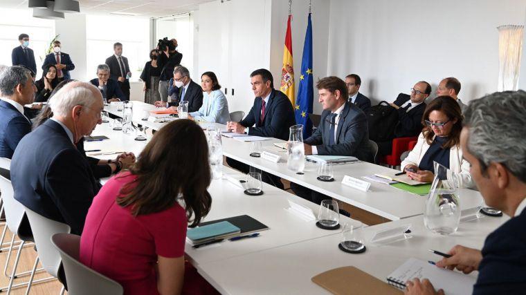 Soros al acecho de España: Sánchez se quita la careta en su viaje a Nueva York