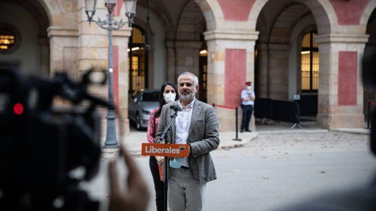 Cs en Cataluña: 'Las medallas hay que dárselas a los que frenaron el golpe y no a los que lo dieron'