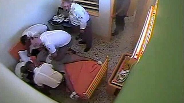 IU pide a la UE normas más estrictas para evitar que se repitan muertes como la de un centro de menores de Almería