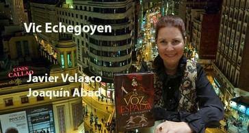 Con la autora de La Voz y la Espada