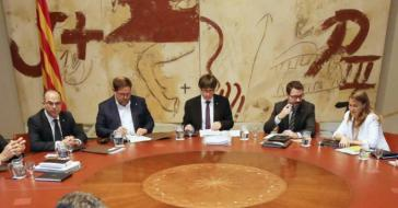 Cisma en el separatismo catalán: Puigdemont utiliza el lanzamiento de su libro para señalar a ERC como traidores