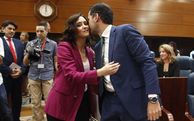 El PSOE maniobra para que Ciudadanos presida las autonomías de Madrid y Andalucía