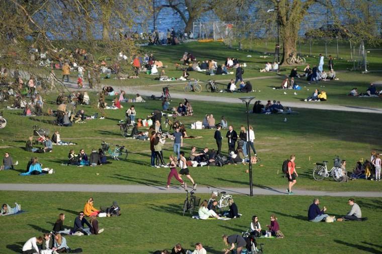 Suecia prefiere que el contagio inmunice a la población